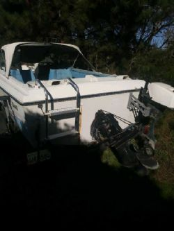 18 Foot Welcraft Airslot Boat and Trailer